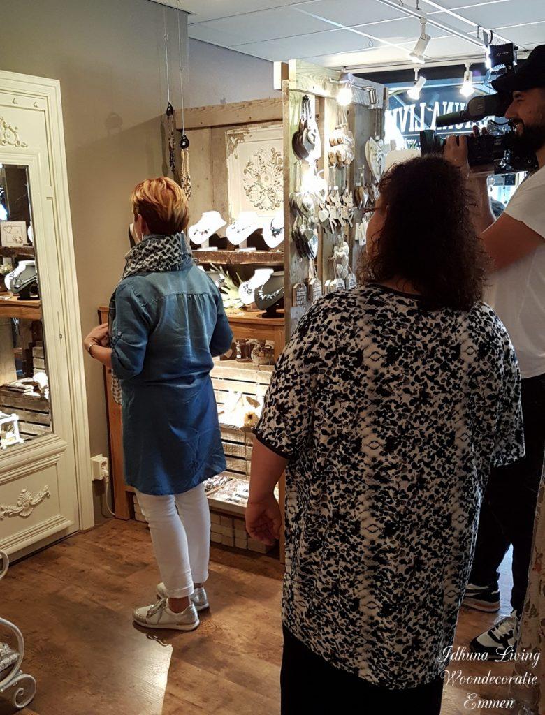 RTL 4 LIFESTYLE EXPERIENCE woonspecial met TV debuut Idhuna Living scene sjaals