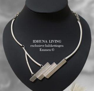 Dames halsketting zilverkleurig modern en exclusief met 3 staafjes Tess 191020