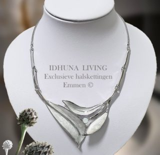 Design dames halsketting grijstinten Bladvormen met emaille LIVA