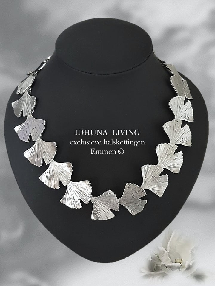 Dames halsketting Ginkgoblad handgemaakt kleur vintage zilver TREVA