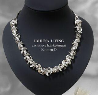 Dames halsketting kort handgemaakt Engeltjeszilver Elegant en charmant