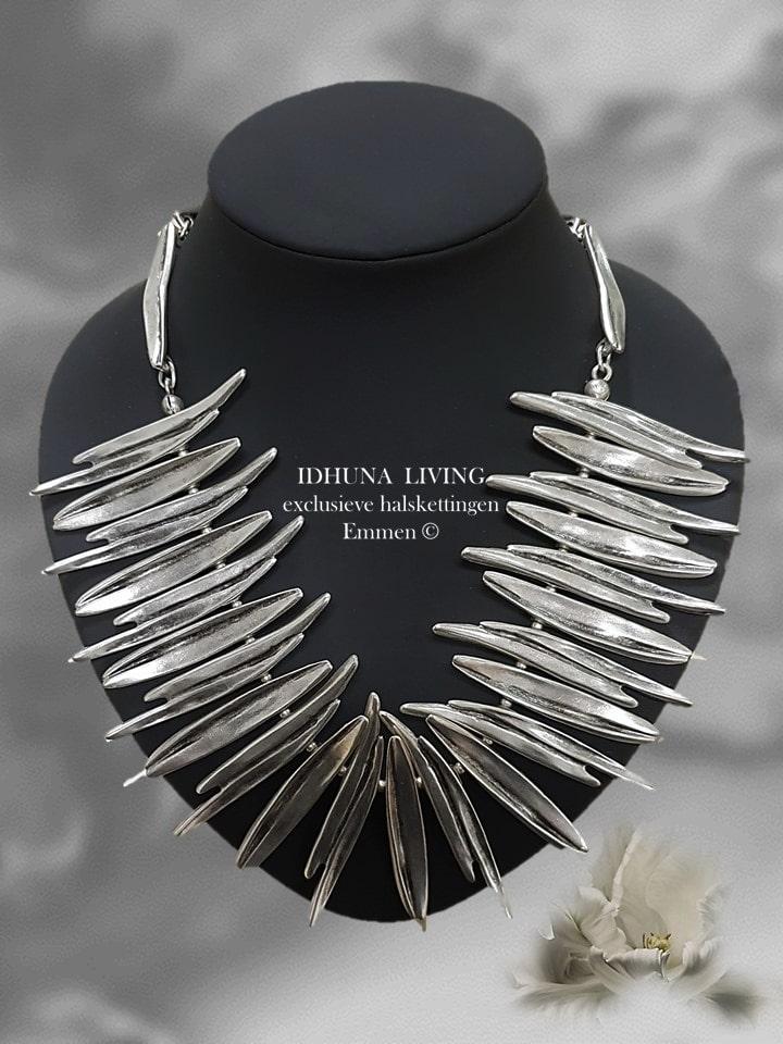 Halsketting dames handgemaakt Tamila Kleur vintage zilver Heel apart