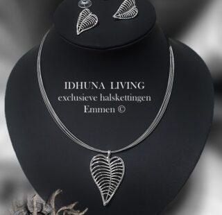 Halsketting dames zilverkleur met bijpassende oorbellen Hanger bladvorm