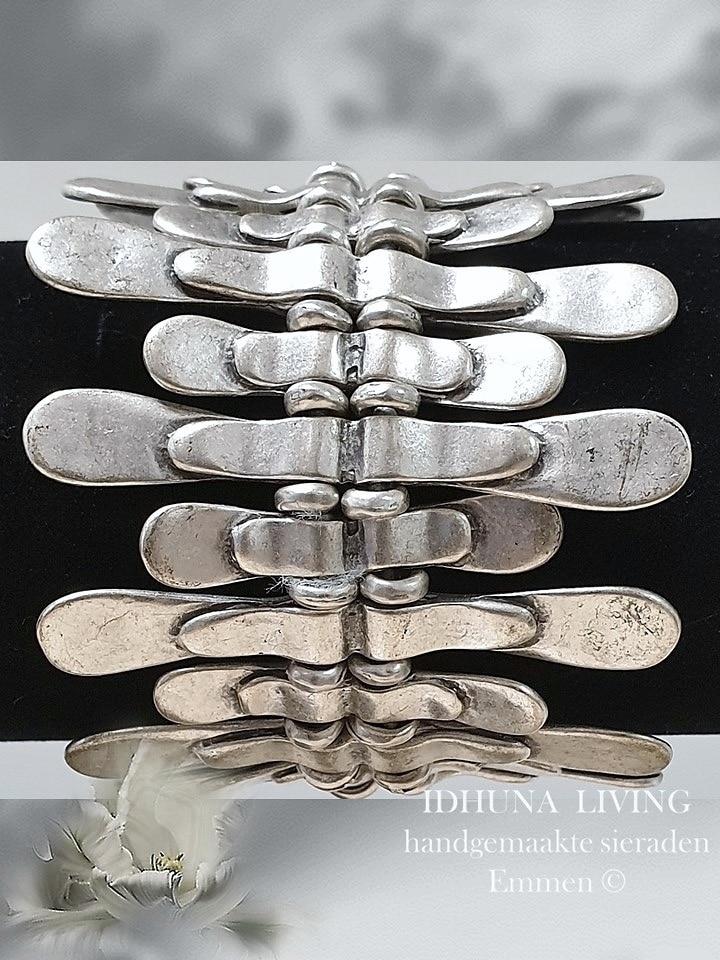 Rekarmband breed Handgemaakt Zilverkleurig Vintage uitstraling 14821