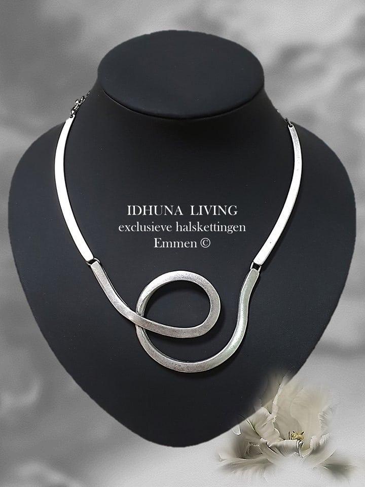 Prachtige handgemaakte dames halskettingen kleur vintage zilver