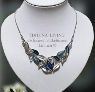 Halsketting dames zilver-blauwtinten blaadjes design met emaille LISSY 6721