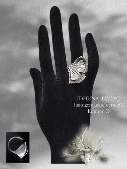 Dames ring handgemaakt Ginkgo blad van engeltjeszilver en verstelbaar