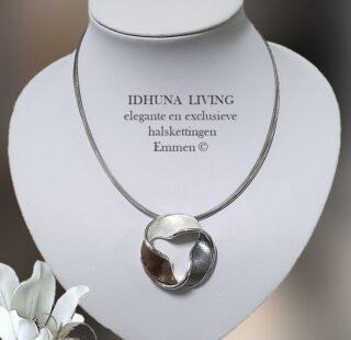 Elegante dames halsketting zilver-grijs met 8 ragfijne metalen koordjes-1-