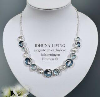 Fijne halsketting dames Nikkie Zilverkleurig met blauw en grijs emaille