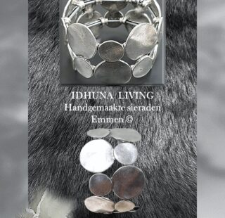 Handgemaakte dames rekarmband Vintage zilver look Breedte 3.5 cm