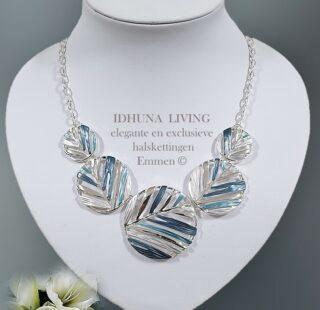 Moderne dames halsketting NIENE Zilverkleurig met blauwtinten